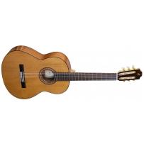 Классическая гитара Admira A2